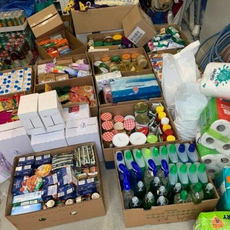 Spendenlieferung, Frauenhaus Wels, haltbare Lebensmittel, Hygieneartikel